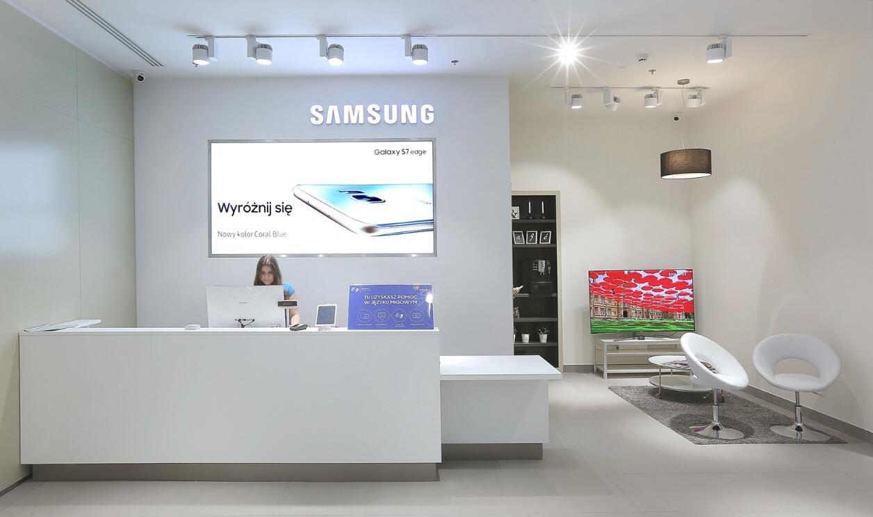samsung retail store design