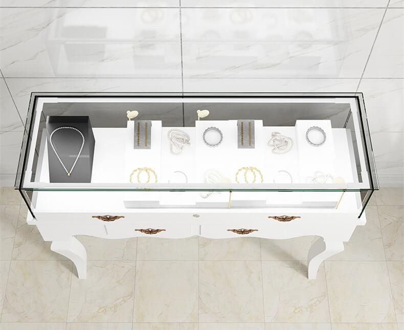 jewelry stand