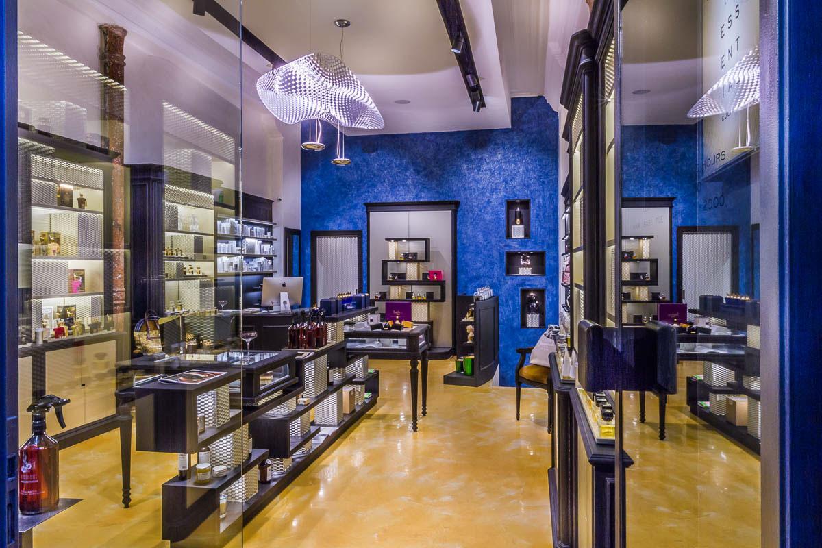 High-Quality Perfume Shop Decoration Design